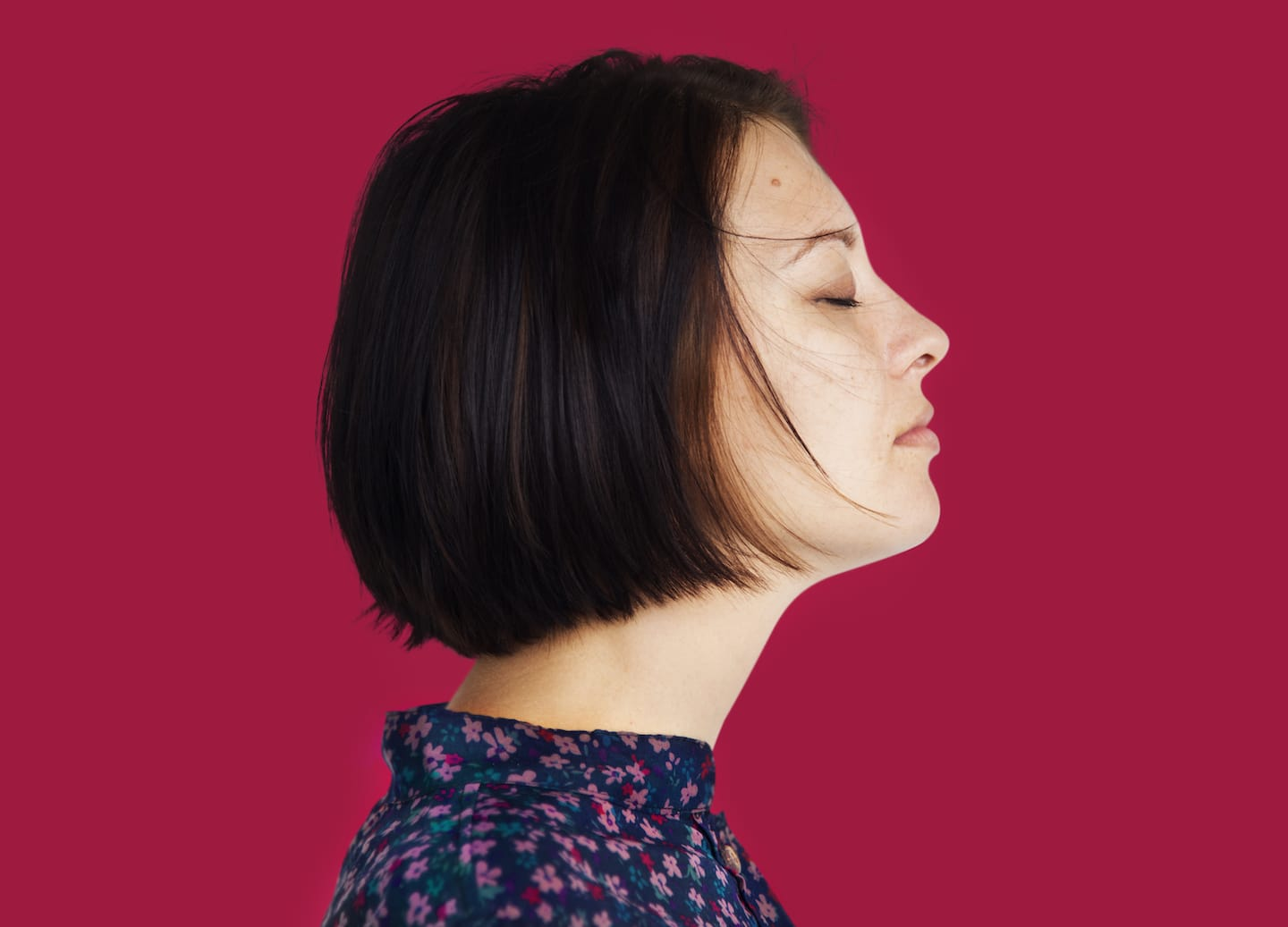 woman side view close eyes thinking concept PTKET4T
